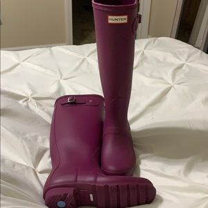 Barely worn hunter boots!